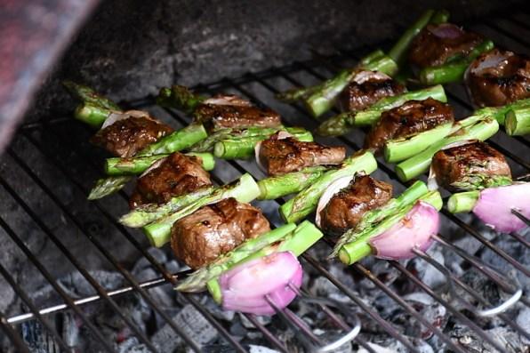 Steak kebab la grill