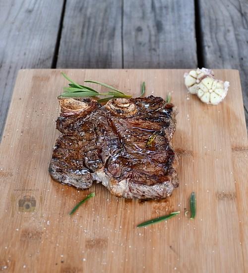 T-Bone Steak la grătar