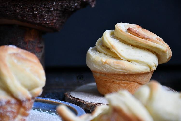 muffin + croissant - Bucătăria familiei mele - Alex Juncu