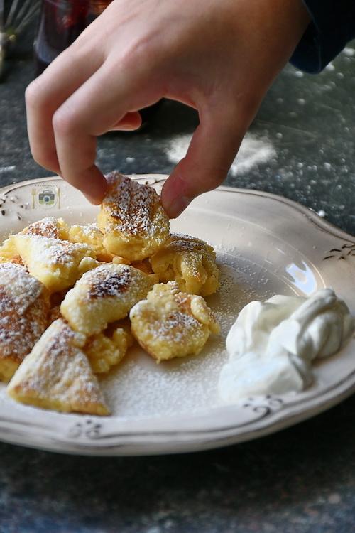 kaiserschmarrn - Bucătăria familiei mele - www.alexjuncu.ro