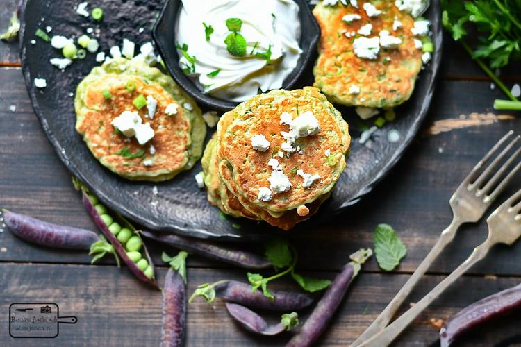 Pancakes cu mazăre și iaurt - Bucătăria familiei mele- www.alexjuncu.ro