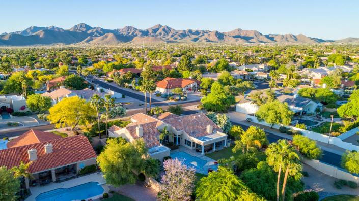 SCOTTSDALE RANCH AND STONEGATE NEIGHBORHOOD PHOTO