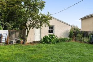 1331 W Strasburg Road West Chester PA 19382 6