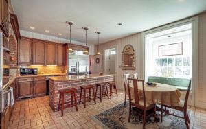 281 N Guthriesville Road Downingtown PA 19335 11