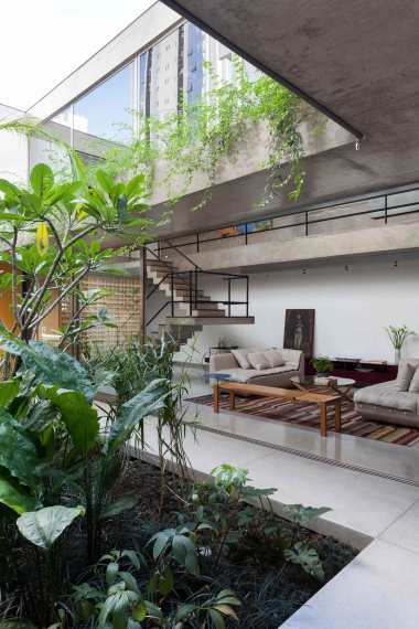Jardins-House-by-CR2-Arquitetura-Yellowtrace-11 ARDINS HOUSE BY CR2 ARQUITETURA IN SÃO PAULO.