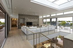 "THE BRIDGEHAMPTON ""OCEAN DECK HOUSE"" WITH ALL-ROUND VIEWS 5"