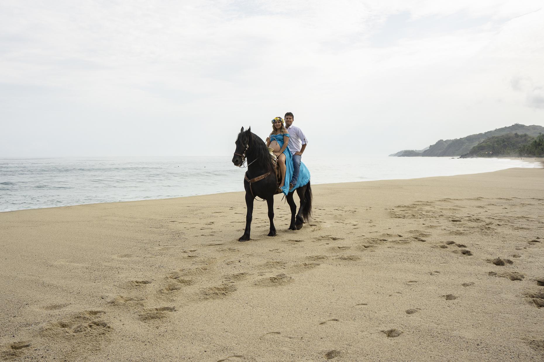 Fotografo--Puerto-Vallarta--Alex-y-Rebeca-Fotografia--Sayulita--Nayarit--Caballos--Playa--Familia--Embarazo--Lifestyle--Maternidad---42