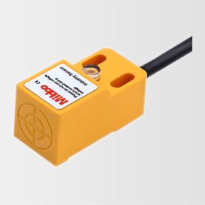 Série IP de sensores de proximidade magnéticos em plástico PBT