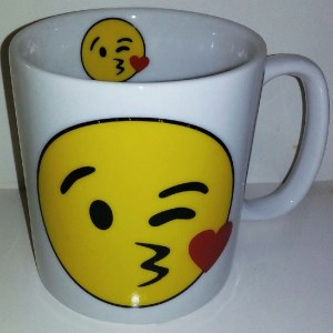 CANECA CHOCOLATE 300 ML- EMOTION BEIJO