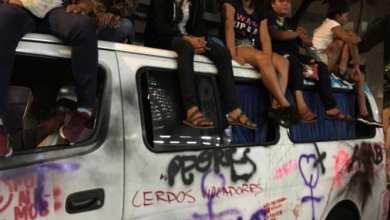 Photo of Viajaron desde Guerrero para apoyar marcha y les destrozan la camioneta