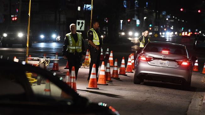 Photo of Dos asesinatos y 54 arrestados por manejar ebrios en LA