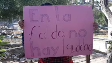 Photo of Alumnas piden usar pantalón por frío, directivos las encierran