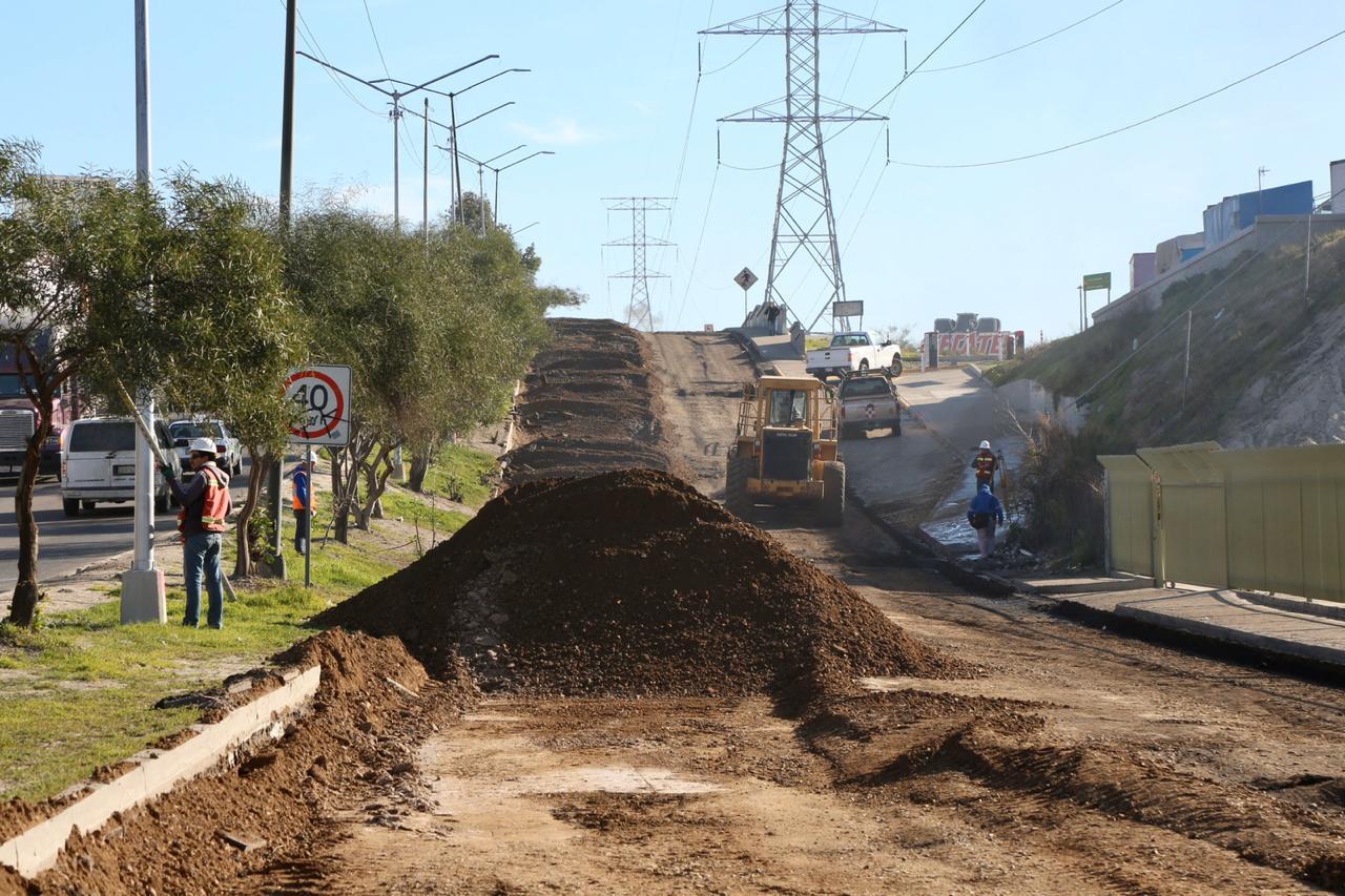 Presidente supervisa obras del bulevar El Refugio