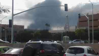 Photo of Arde planta de plásticos; 220 evacuados