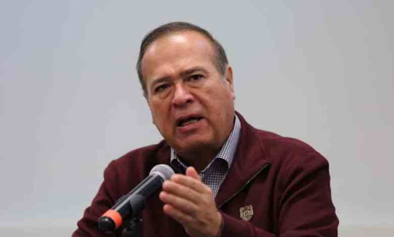 González promueve medidas preventivas de salud dictadas por GobEdo
