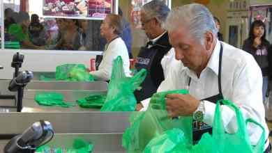 Photo of Darán mil pesos semanales a adultos mayores empacadores del súper