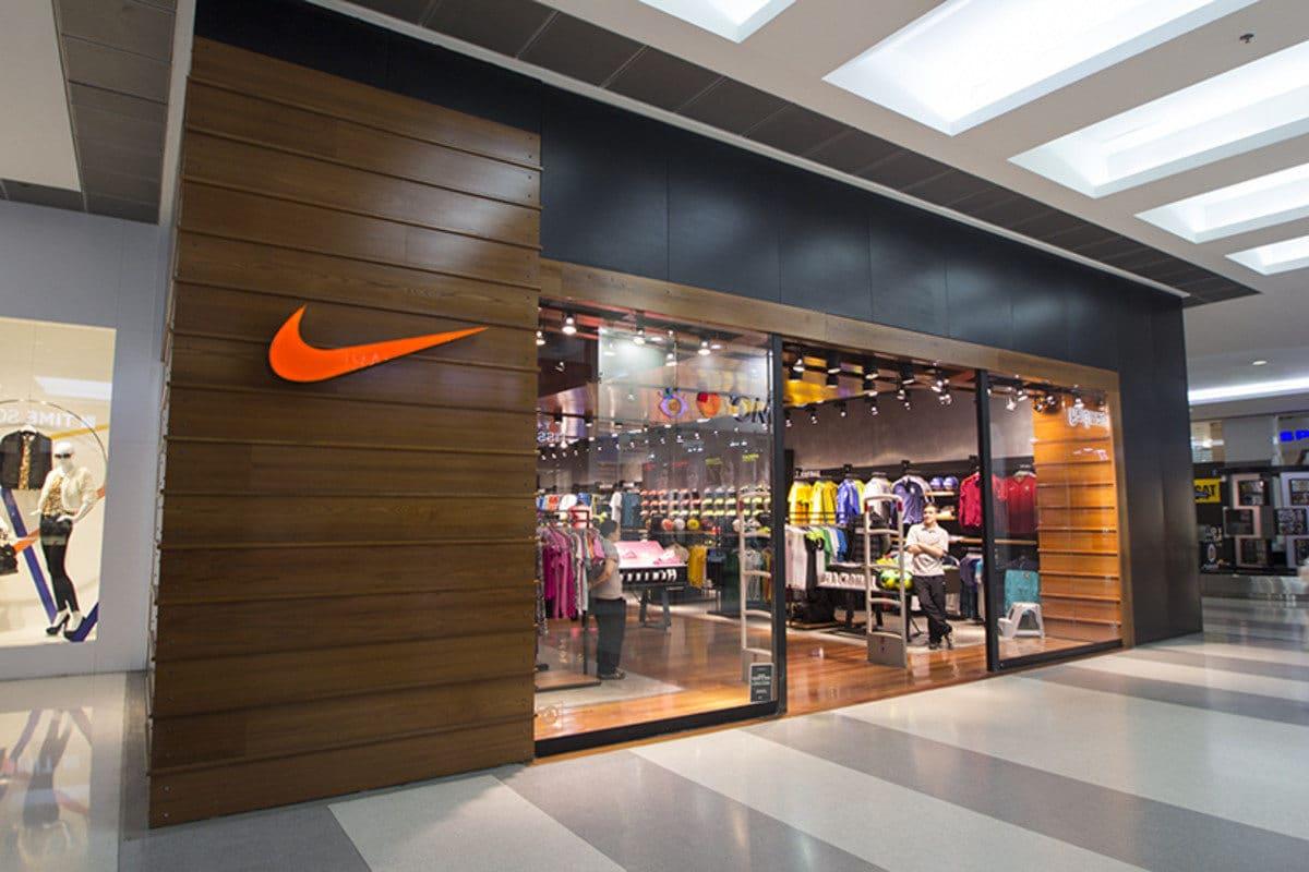 Nike cierra sus tiendas por coronavirus