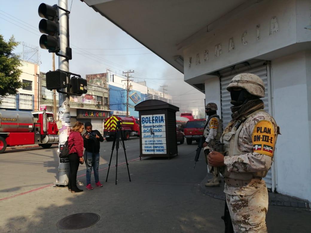 Por incendio en Plaza Constitución activan Plan DNIII