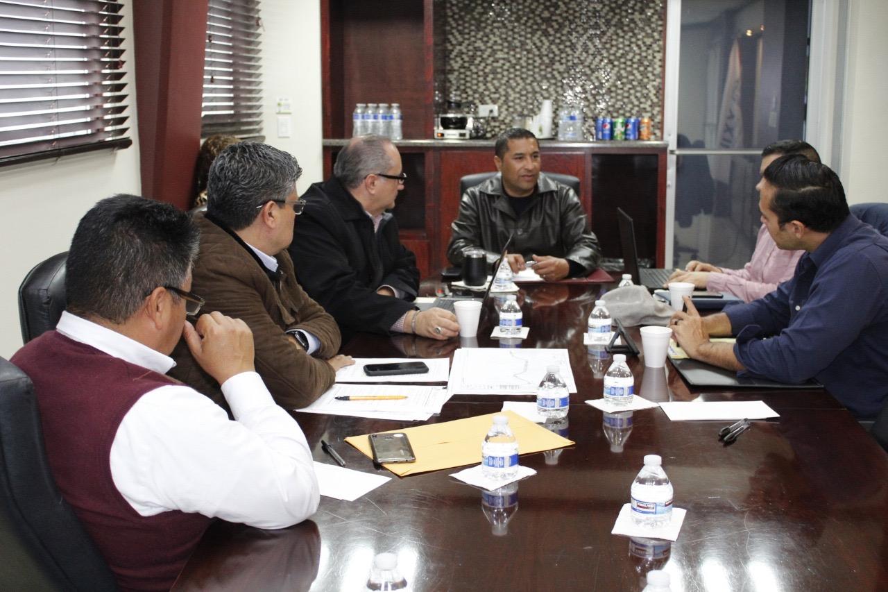 Diputado se reúne con equipo de la UABC para proyectos de infraestructuras