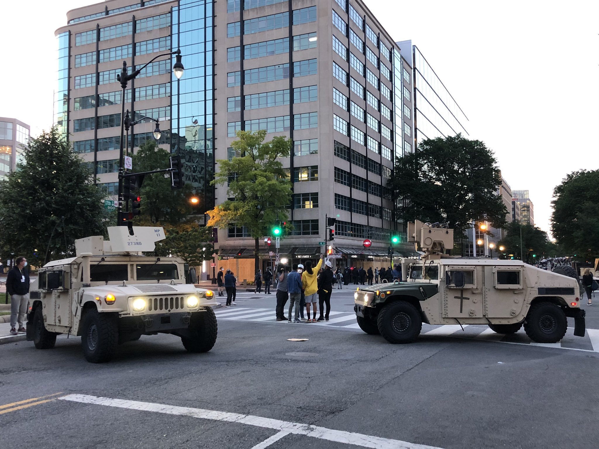 trump-amenaza-con-despliegue-militar-para-acabar-con-protestas