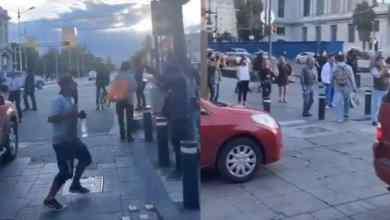 Photo of VIDEO: 'La Chona' lo hace de nuevo; se arma baile en semáforo