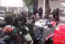 Photo of VIDEO: Trabajadores le dan brutal golpiza a ladrones