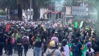 Marchan-por-despenalización-del-aborto-lanzan-bombas-molotov