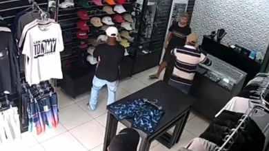 VIDEO-Lo-intentan-asaltar-en-su-comercio-y-los-mata