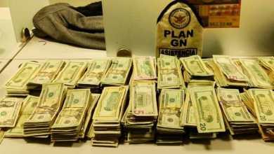 Esconde-más-de-100-mil-dólares-en-su-cuerpo-lo-detienen-en-garita