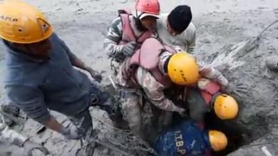 VIDEO-Varios-rescatados-de-túnel-tras-ruptura-de-glaciar