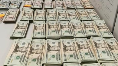 Cae-mujer-con-122-mil-dólares-sin-declarar-en-cruce-fronterizo