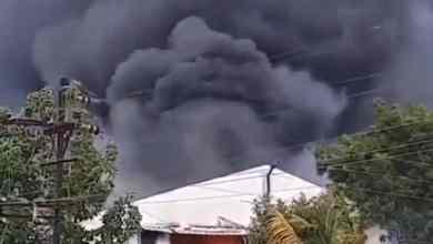 VIDEO-Se-incendia-fábrica-de-productos-químicos