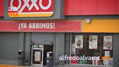 Sujetos-armados-asaltan-OXXO-golpean-a-clientes
