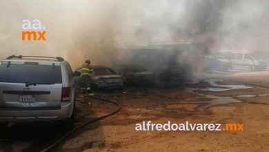 Fuerte-incendio-consume-casas-vehículos-y-camiones