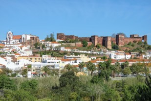 http---www.blogcdn.com-slideshows-images-slides-380-131-0-S3801310-slug-l-cityscape-with-the-moorish-castle-and-the-cathedral-silves-a-1