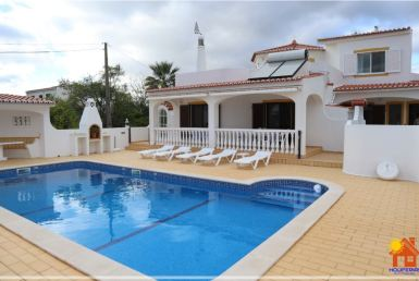 4-bedroom contemporary villa in Carvoeiro to rent