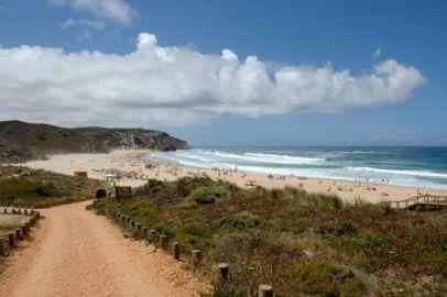 praia-do-armado-algarve-beach-large