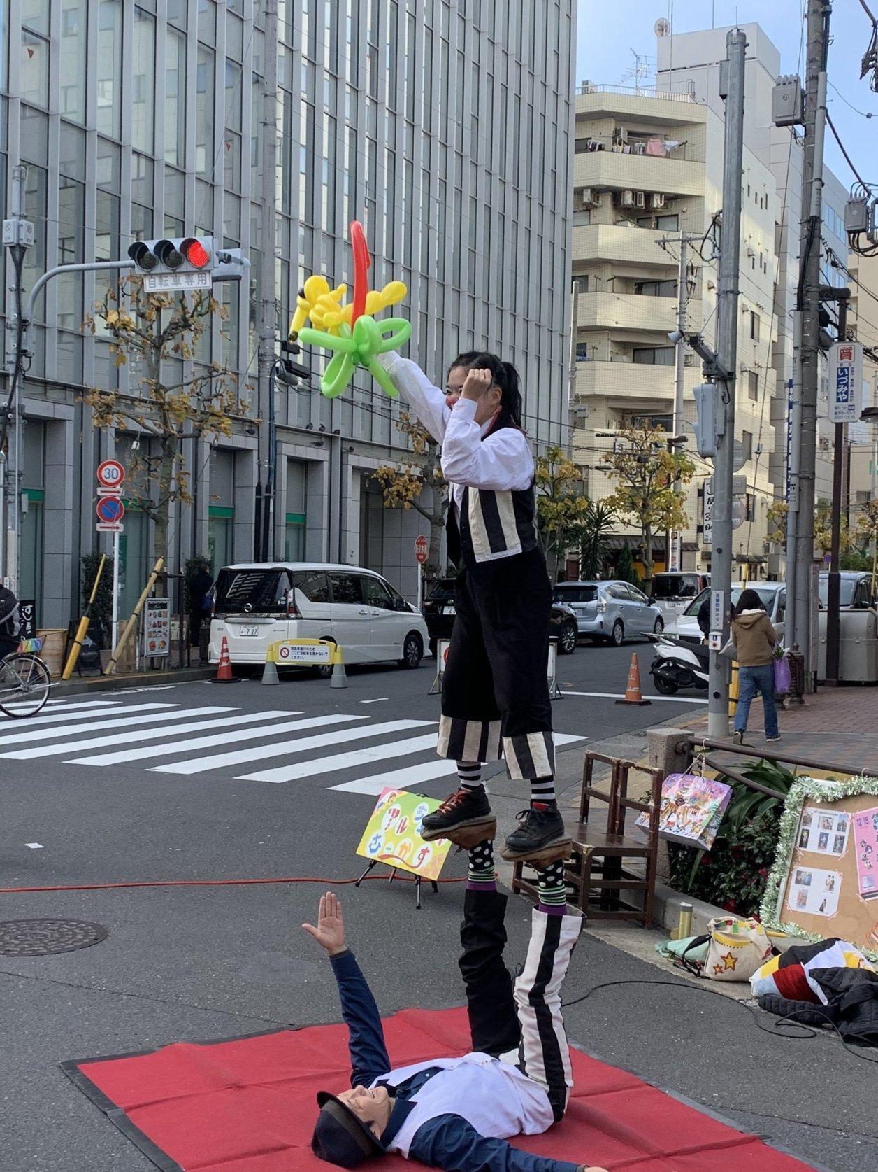 アルジェントさーかすのバルーンパフォーマンスin亀戸大道芸