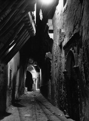 Rue de la Kasbah d'Alger, de nuit, 1960