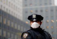 Photo of شرطة نيويورك تخيّر أفرادها: التطعيم أو ارتداء الكمامة طوال فترة العمل