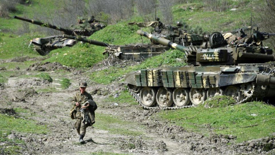 Selon l'Azerbaïdjan , l'Arménie est responsable de la morts de 21 civils dans une attaque de missiles