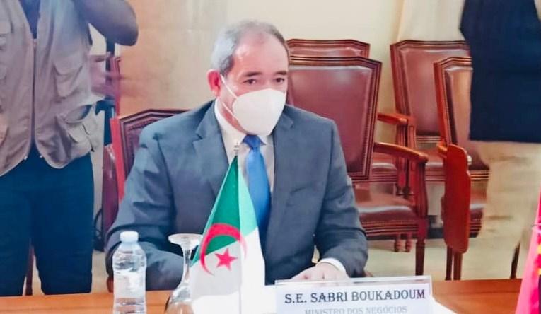SABRI BOUKADOUM EFFECTUE UNE VISITE DE TRAVAIL EN RÉPUBLIQUE D'ANGOLA