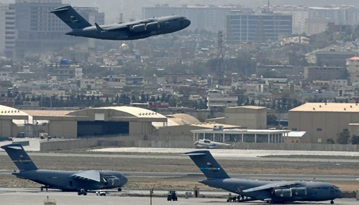Afghanistan: L'aéroport de Kaboul rouvre pour recevoir de l'aide, les vols intérieurs redémarrent