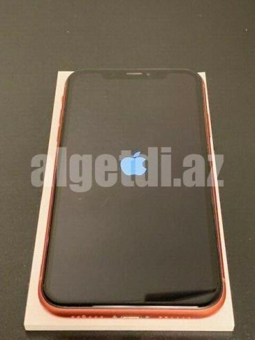 Apple-iPhone-XR-64GB-2