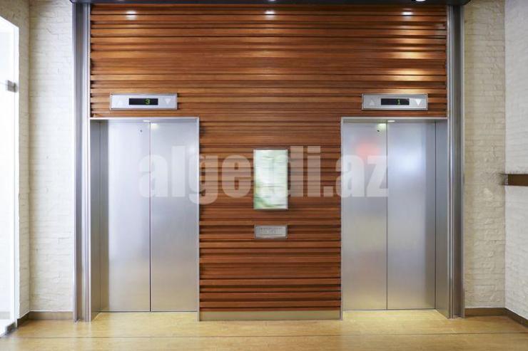 closed-lift-door-1051317118-5c64607a46e0fb0001587ce5