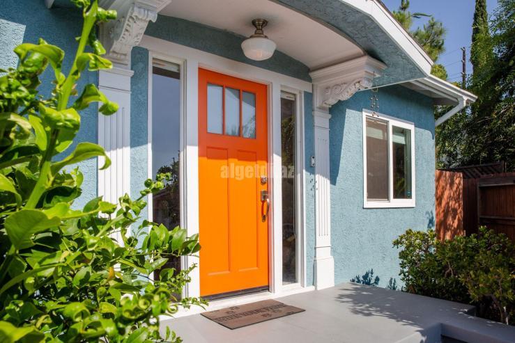 feng-shui-tips-for-a-strong-front-door-1274460-1-daee6edfa020414b819e41fae9d401b4