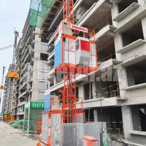 Simple-Construction-Hoist-for-Passenger-and-Material-Lift-Building-Hoist-Facade-Climbing-with-Cheap-Price