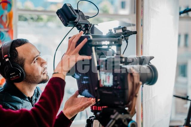7-essential-video-production-equipment-your-business-has-b
