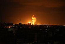 دخان يتصاعد من غزة إثر قصف لقوات الاحتلال