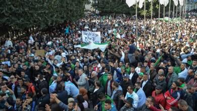 Photo of الاحتجاجات تتواصل في الجزائر غداة ترشّح بوتفليقة
